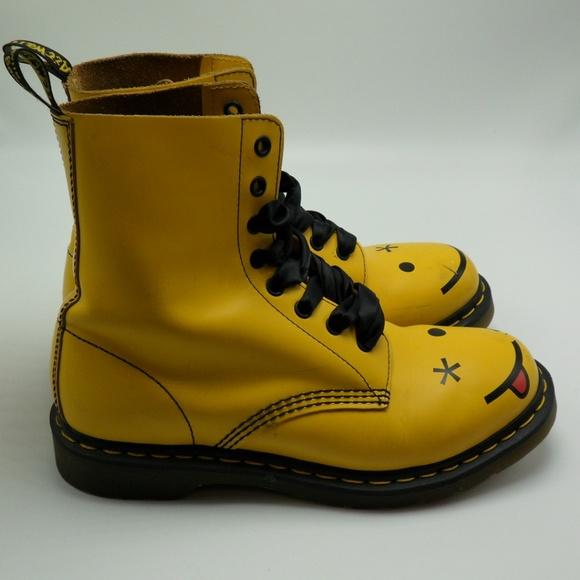 cb4c7ce06 Dr. Martens Shoes | Sold Yellow Doc Dr Marten Smiley Face 9l 41eu ...
